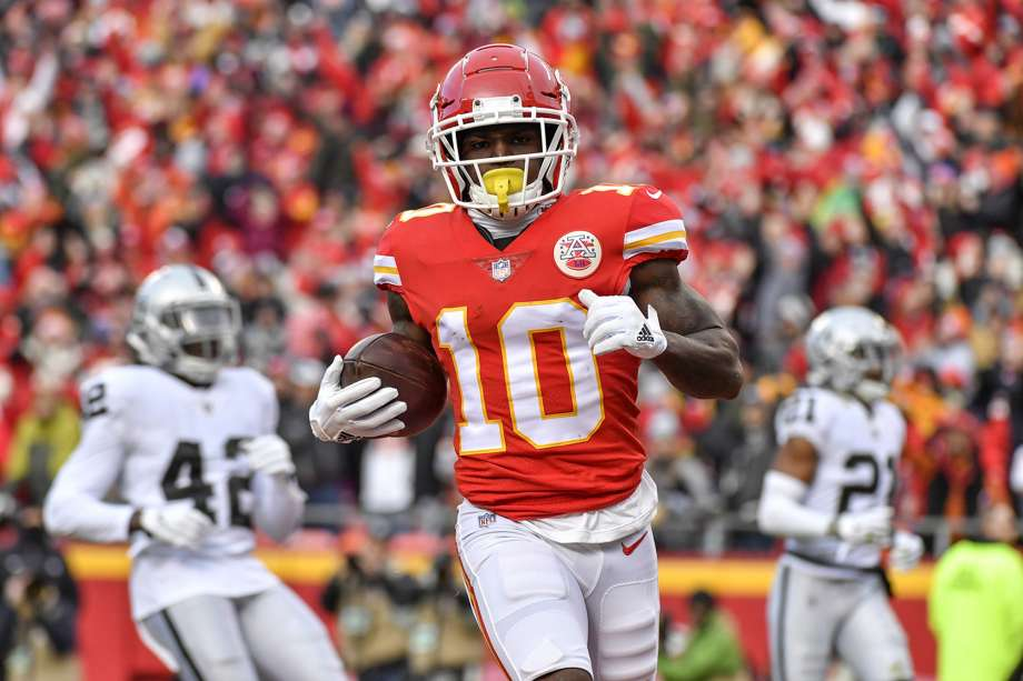 Cops Are Investigating Tyreek Hill For Allegedly Breaking Three-Year-Old Son's Arm