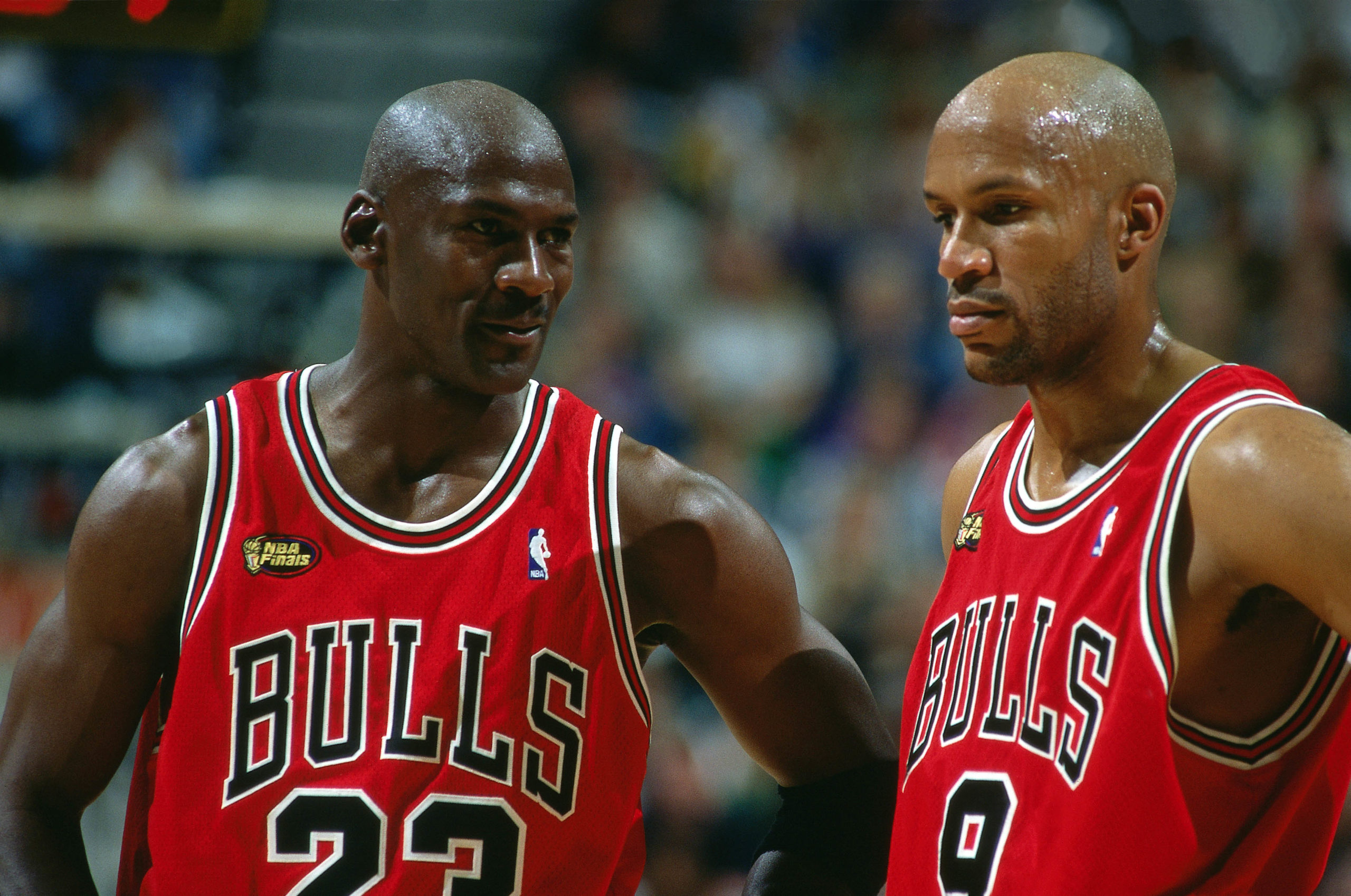 """Ron Harper's Reaction To Being Pulled Off Michael Jordan Before """"The Shot"""""""